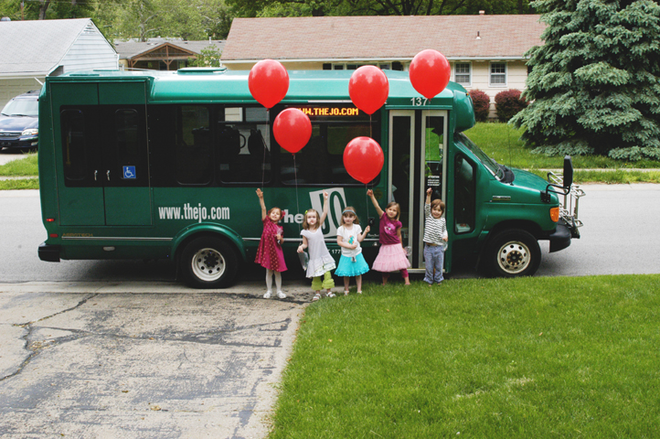 Red balloon party bus 8