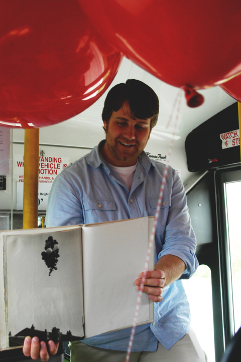 Red balloon party bus 7