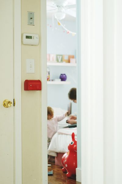 Red mailbox2
